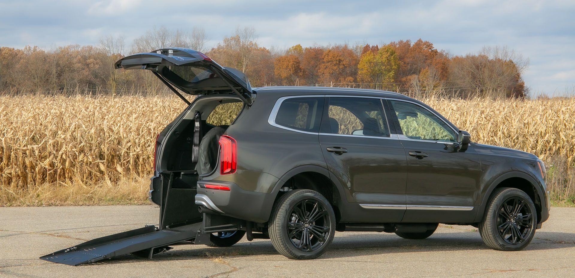Handicap SUV - Freedom Motors - Palisade Telluride